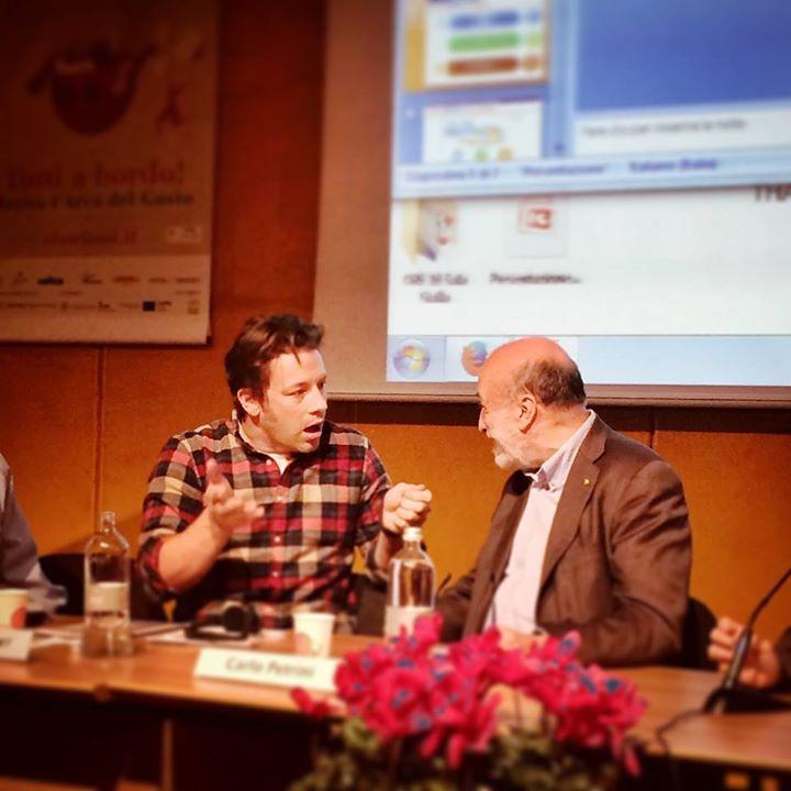 Jamie Oliver y Carlo Petrini en el Salone del Gusto
